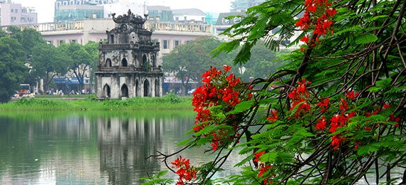 ciudad de hanoi desde el rio