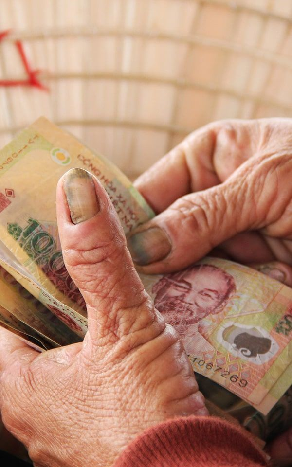Where to change money in Vietnam